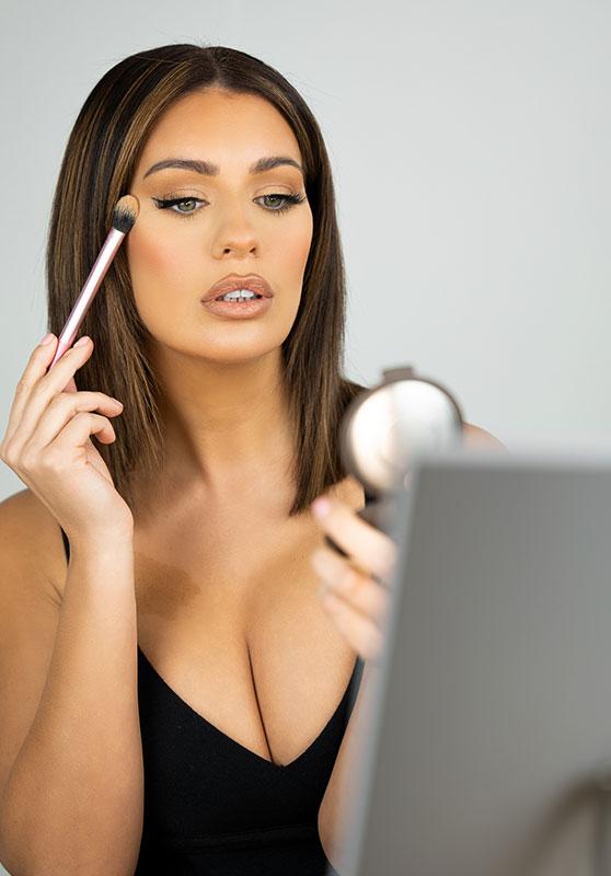 Beauty-MakeupLight